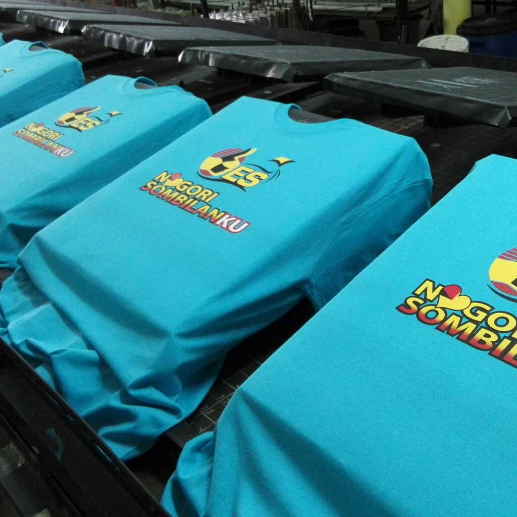 T shirt printing using silk screen sing uniform for Cheap t shirt printing next day delivery